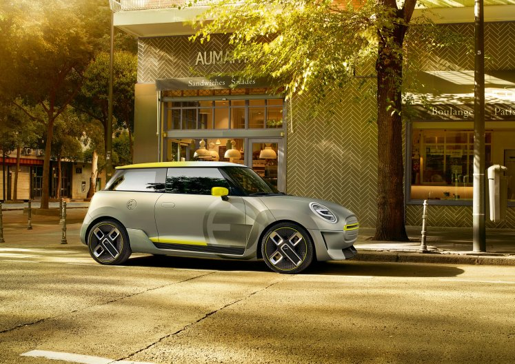 MINI presents pure-electric design study at the IAA: the MINI Electric Concept, complete with iconic design and urban driving fun.