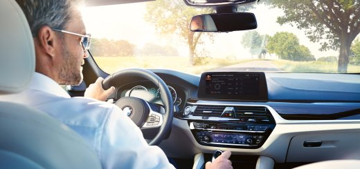 Digital lifestyle at the BMW Group: Seamless in-car integration of Amazon Alexa in BMW and MINI.