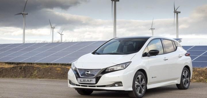 Nissan LEAF named 'Best Electric Car' at 2018 What Car? Awards