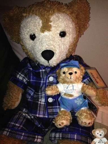 Duffy the Disney Bear shows off his Aulani Duffy Bear Keychain