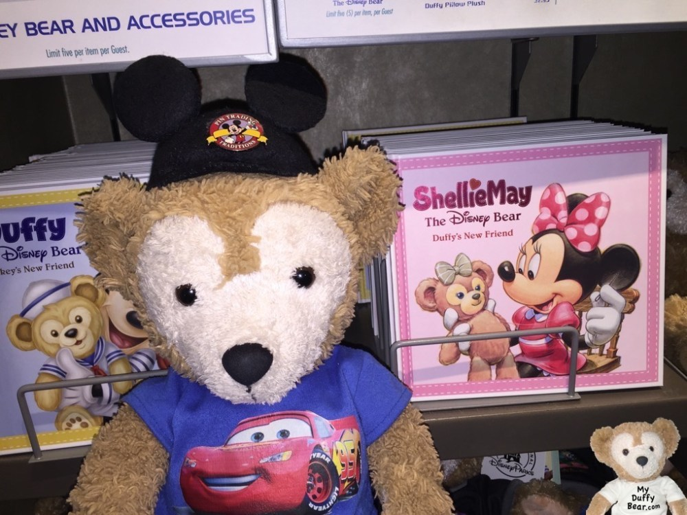 Duffy the Disney Bear reveals the ShellieMay the Disney Bear Book