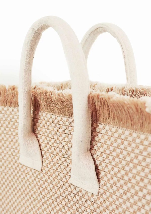 Handles of Maritimus shopper bag made from sustainable materials