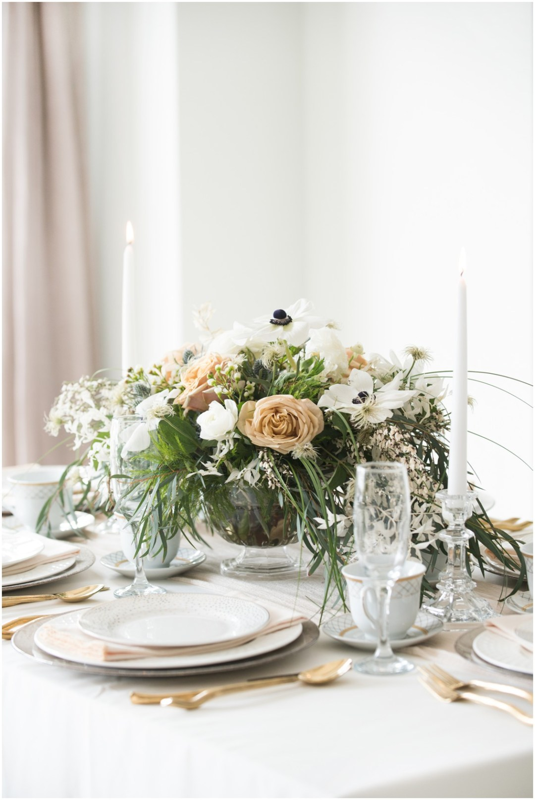 Neutral and Gold Tablescape  | 5 Things to Consider When Choosing Your Wedding Cake Designer  | My Eastern Shore Wedding | Chef Steve Konopelski