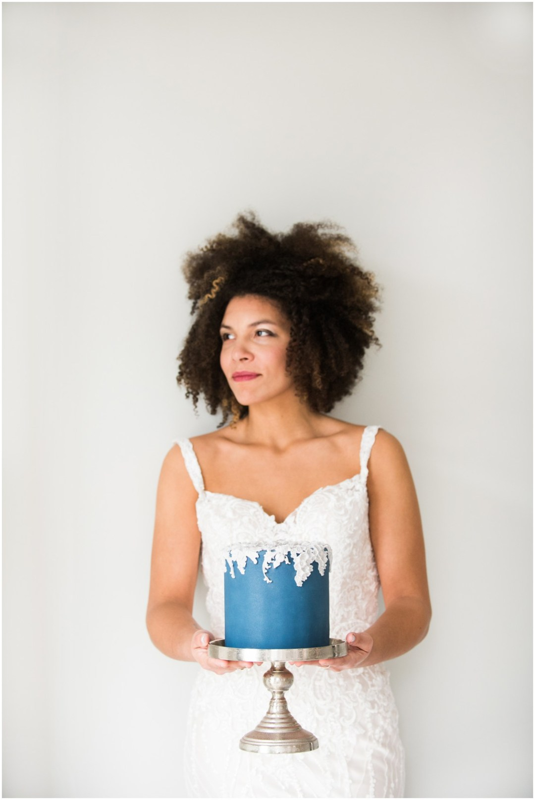 Bride Holding Blue Wedding Cake | 5 Things to Consider When Choosing Your Wedding Cake Designer | Bridal Feature Image | My Eastern Shore Wedding | Chef Steve Konopelski