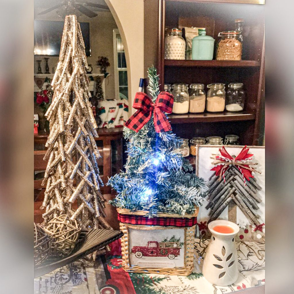 Read more about the article Mini Christmas Tree Stand