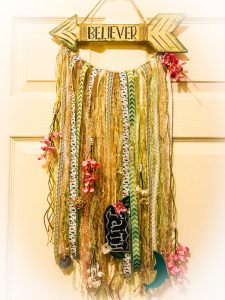 Read more about the article Boho Chic Wall Hanging DIY