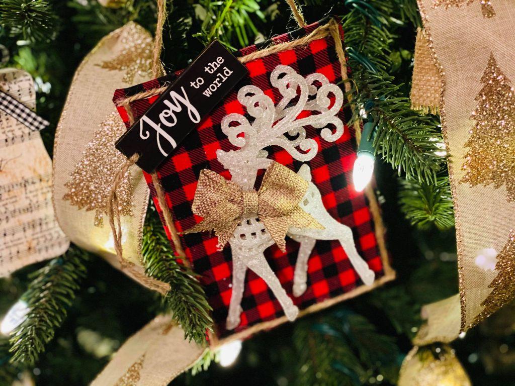 buffalo plaid 5x7 reindeer ornament