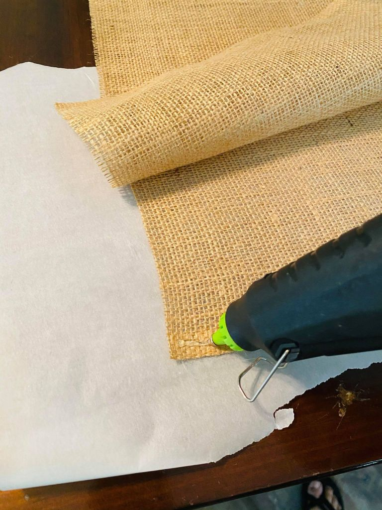glue two burlap layers together for a patriotic table runner