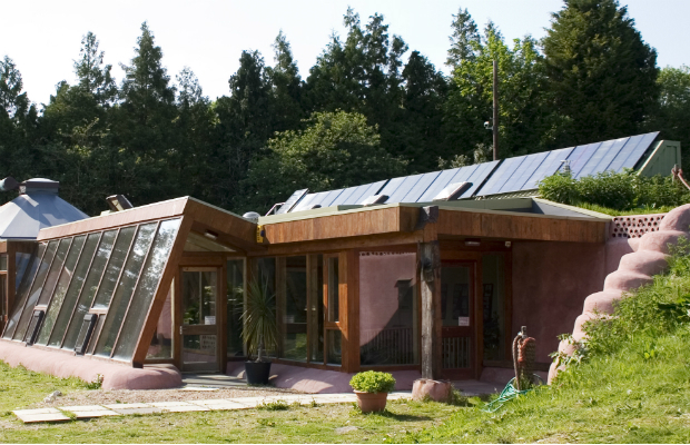 Earthship_Brighton_Front-620x400