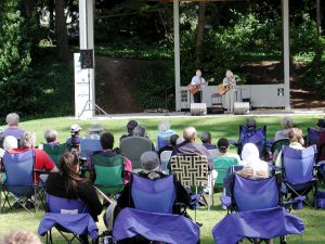 Reilly and Maloney perform at Edmonds City Park in 2011.