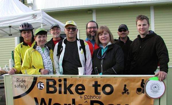 Edmonds Bicycle Advisory Group members and Bike to Work Day participants pose for a group shot.