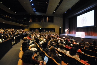 A capacity crowd gathered at the Edmonds Center for the Arts to hear Gurian speak. (Photos by Scott Berg and Jerry Berg)