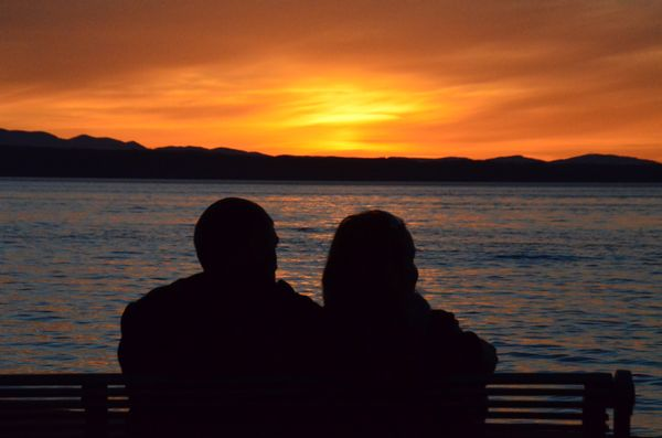 From Larry Vogel, another angle on Wednesday night's colorful sunset -- this taken in front of the Edmonds Senior Center.