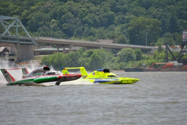 The Edmonds-based Miss Peters and May (yellow boat) and the Oberto race heat 2A.