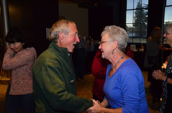 Ciscoe Morris shares a moment with Edmonds in Bloom publicity chair Sharon Stout.