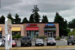 The Domino's Pizza store on Highway 99 in Edmonds.