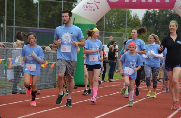 The Girls on the Run 5K in Lynnwood earlier this year. (Photo by Larry Vogel)