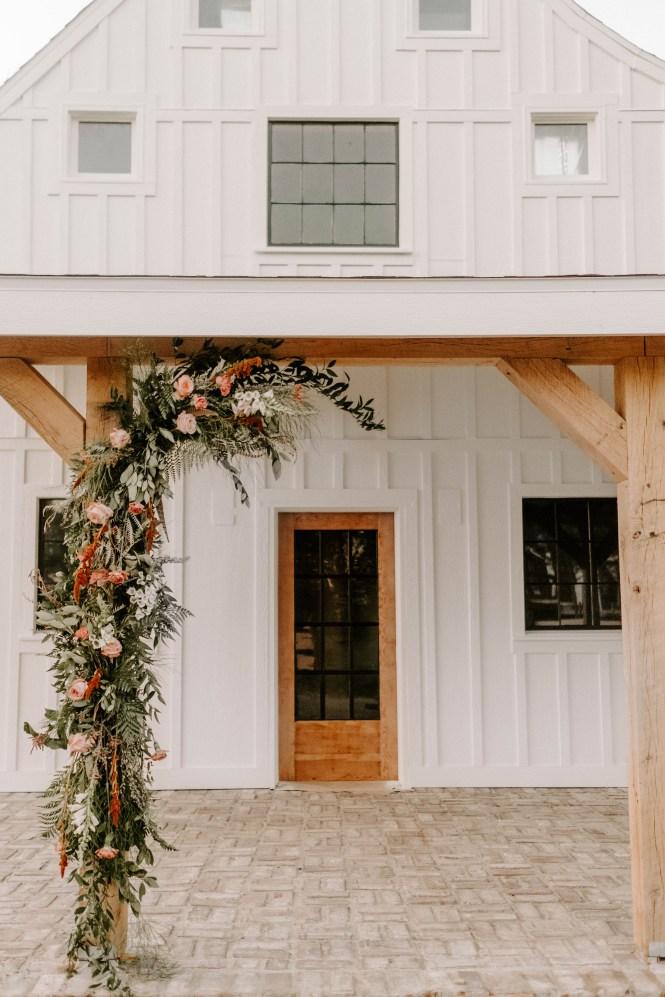 the_barn_at_riverbend_wedding_summer-32