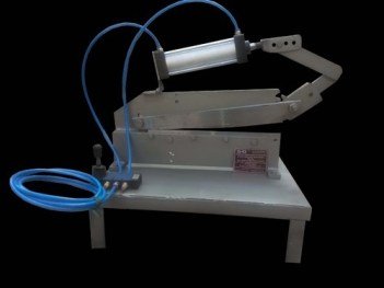 PNEUMATIC SHAPING MACHINE
