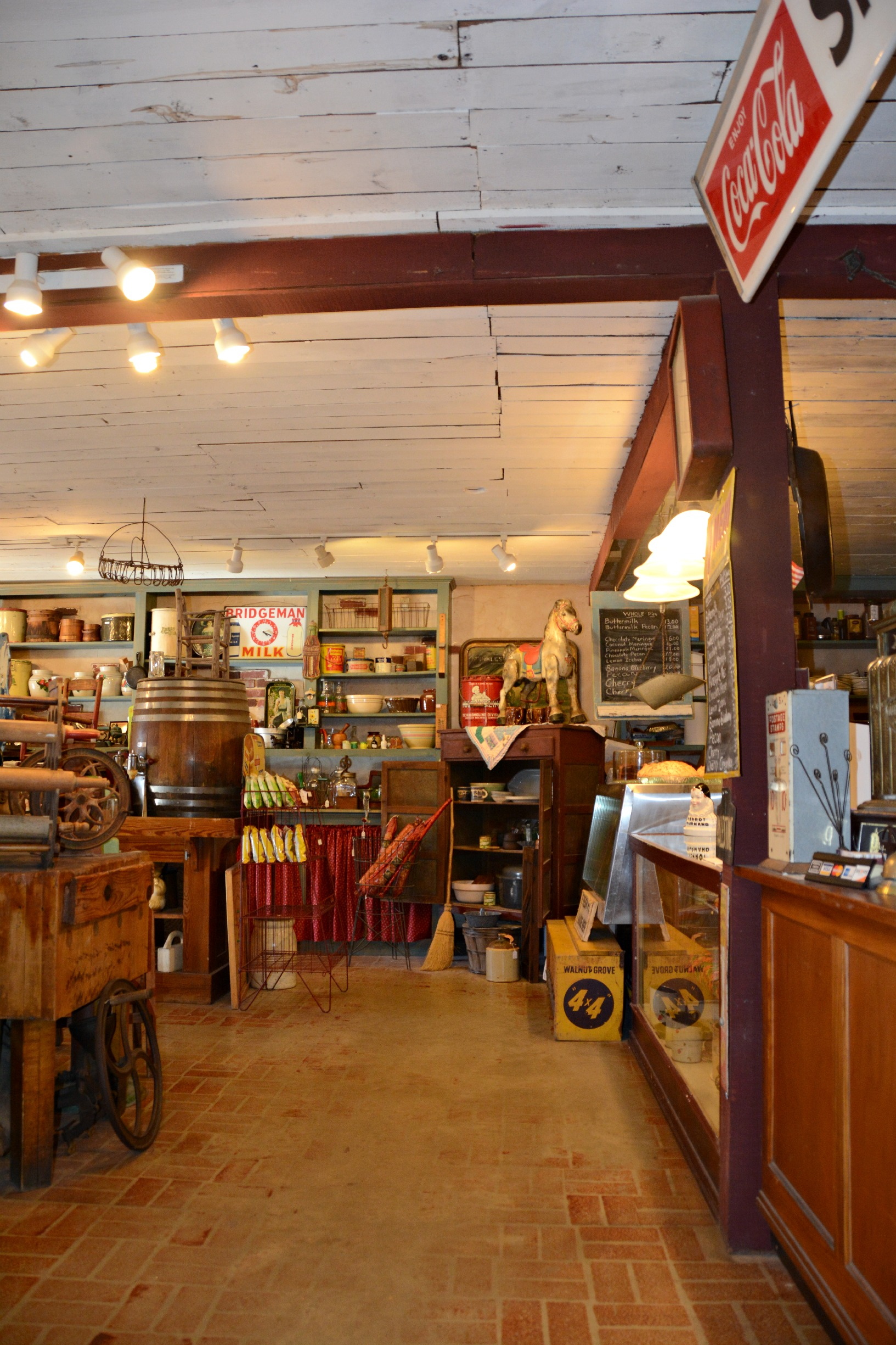 Oxbow Bakery & Antiques