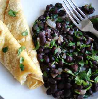 Black Beans & Cheesy Tortillas | anutritionisteats.com