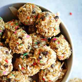 No-Bake Energy Bites   A healthy, wholesome snack that tastes like a treat!