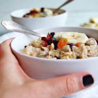 Fruit Soaked Oatmeal: quick enough for weekday mornings, but tasty enough for slow weekend ones, too. Click here for recipe. #oatmeal #breakfast #healthybreakfast #oats