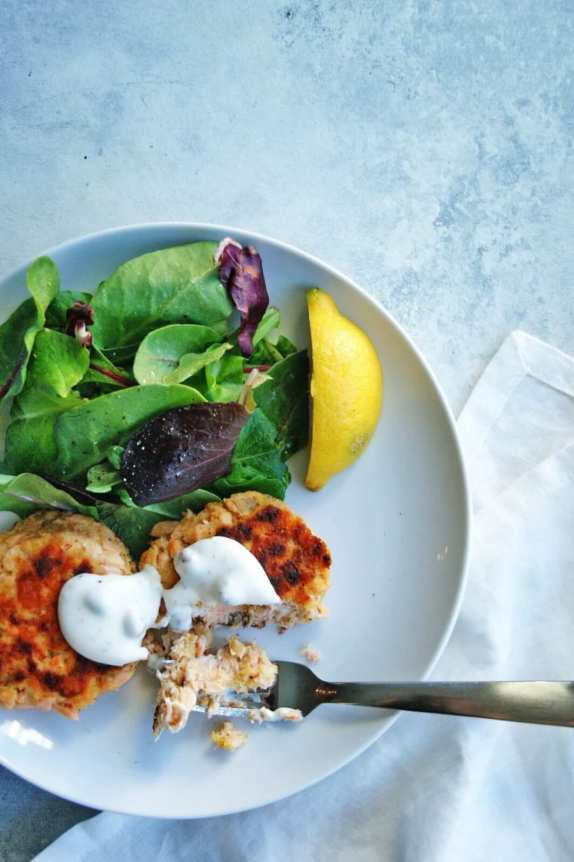 salmon cakes with greens