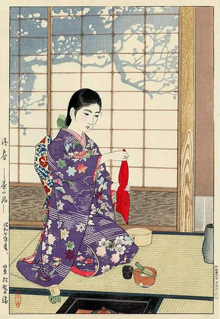 shiro kasamatsu, hôte tenant l'étoffe qui sert à nettoyer les ustensiles de thé.