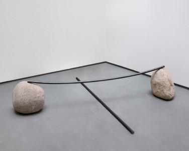 Lee Ufan, Relatum – counterpoint, 2004