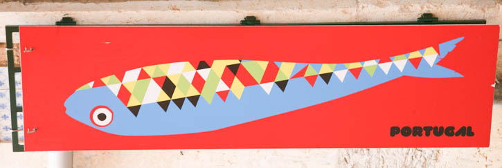 One of the many images of sardines in the festivities. This one is large, 2 meters (or 6 ½ feet) long