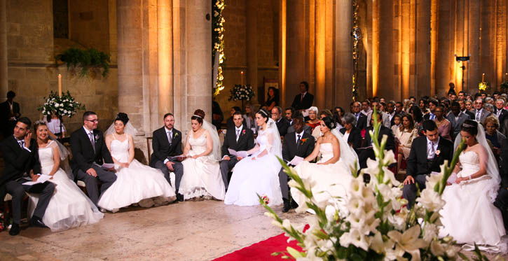 """The """"Brides of St Anthony"""" in the wedding ceremony in Lisbon Cathedral"""