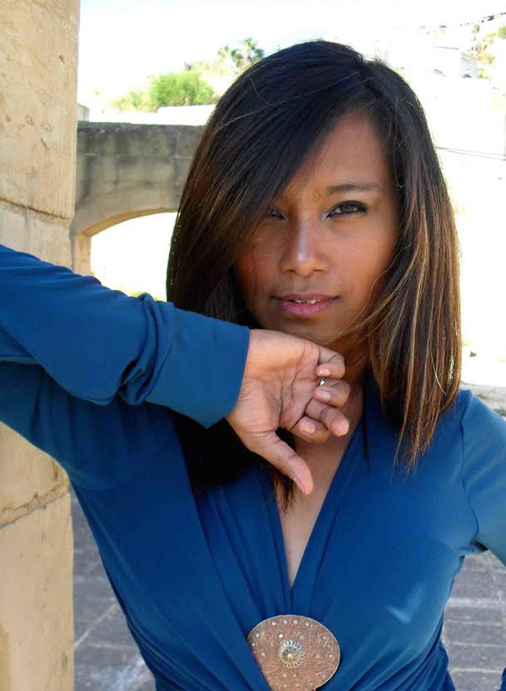 Anisa-Mandahiling - Artist Extraordinaire