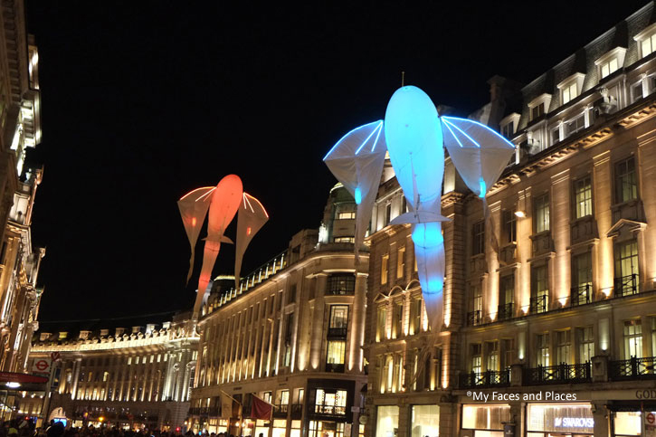 2. Les Lumineoles – The aerial structure which look like Siamese fighting fish with their long and sweeping fins. These fish move in gracefully in the air in all directions in time. The colour changes with the beat of the music. This is certainly one of the better exhibits. These aerial fish were in both Piccadilly and Regent Street.