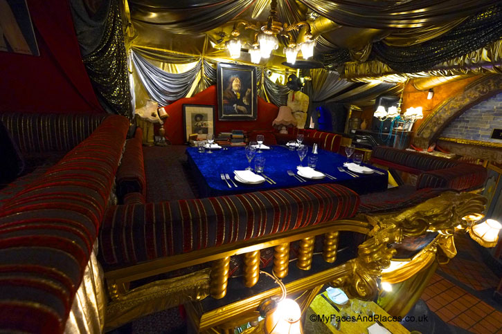 Sarastro the show after the show my faces and places for Balcony restaurant group