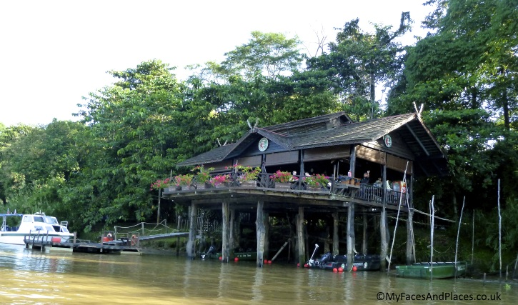 Sukau Rainforest Lodge - in Sabah