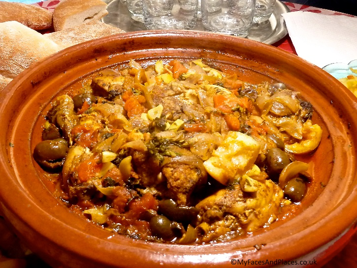"""Mouth-watering chicken tagine cooked by our Berber """"auntie"""""""