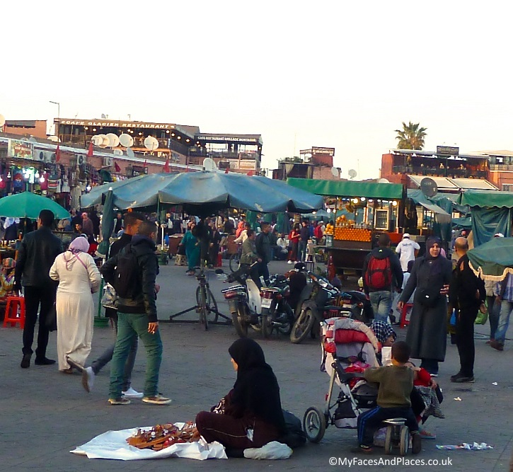 The bustling market at Jemaa El Fna