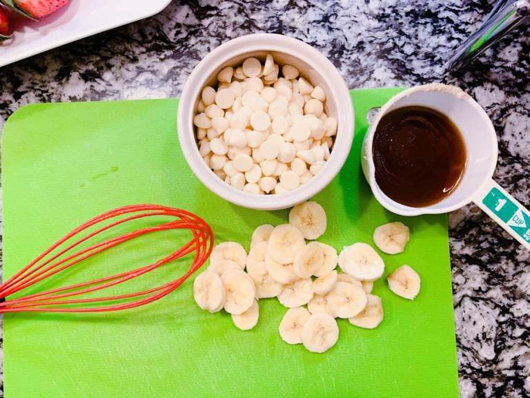 Bananas foster fondue | Banana liqueur | Bananas foster recipe | Bananas foster French toast | Melting pot bananas foster fondue recipe