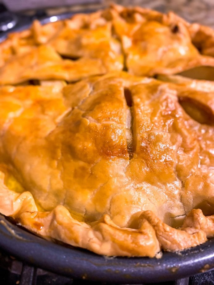 Freezer Apple Pie | Southern Apple Pie Recipe | Freezer Apple Pie Filling | freezer apple pie kit | apple pie recipe | freezing apple pies cooked or uncooked | make ahead apple pie filling | how to bake a pre baked frozen apple pie | raw apple pie filling