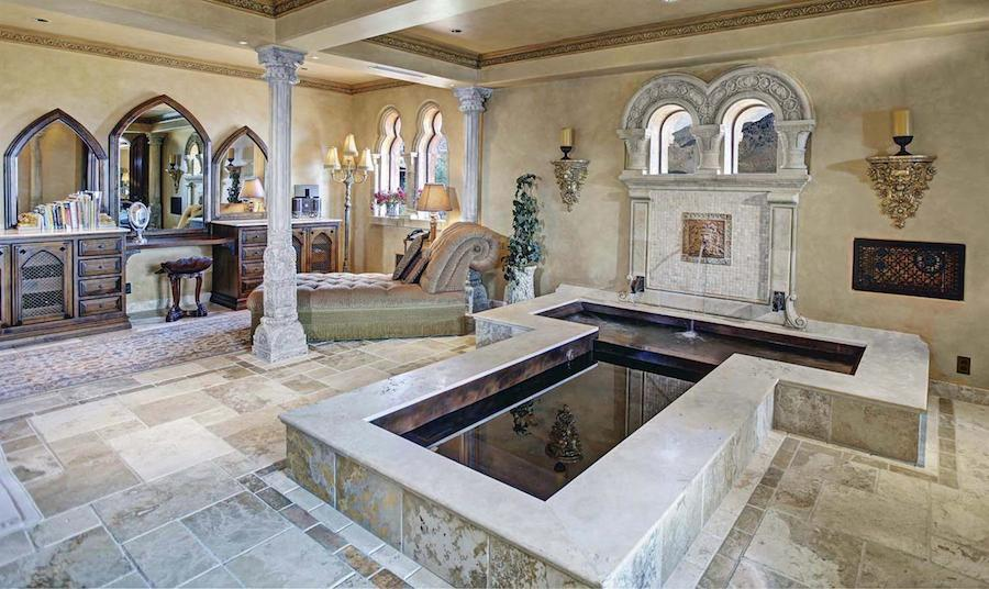 Superb Medieval Looking Mansion In Arizona United States 43