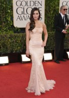 New mom Megan Fox shows off her post baby body and I must say she looks fantastic.