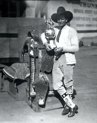YAKIMA CANUTT and prizes