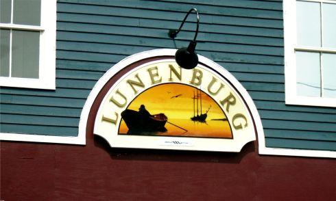 lunenburg-heritage-sign