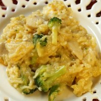 One Pot Creamy, Cheesy Chicken, Broccoli and Rice Skillet