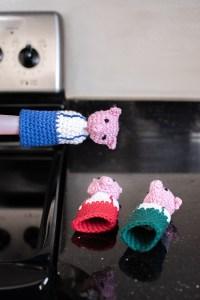 Three Little Pigs Panhandler Crochet Pattern