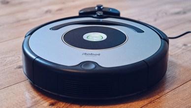 有掃地機器人還不夠!無線手持直立吸塵器讓你打掃方便又輕鬆
