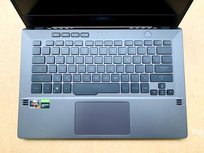 ASUS ROG Zephyrus 西風之神 G14 電競筆鍵盤布局
