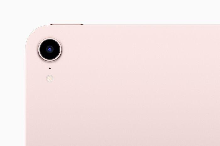 全新先進相機,讓「人物居中」功能登上 iPad mini