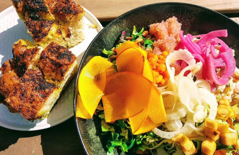 Salat med eddikesyltede græskar